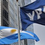 Macri avanza con el desguace de YPF: se desprende de Metrogas y cede terreno a privados