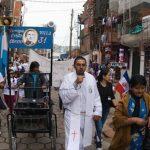 El grupo de Curas Villeros se manifestó contra la decisión de Macri de debatir el aborto en el Congreso