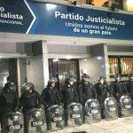 Como en dictadura: Macri interviene al principal partido político de oposición en Argentina