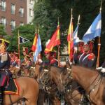 La respuesta de Pigna luego de ver al Regimiento de Granaderos flameando banderas españolas